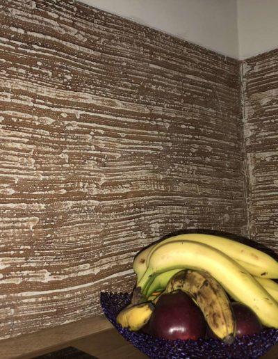Odolný epoxidový povrch Betonimage, detail struktury tažené kartáčem