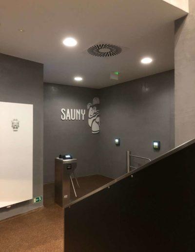 Cementový povrch Facebeton,, omyvatelná úprava pohled od schodů lázeňský dům Teplice