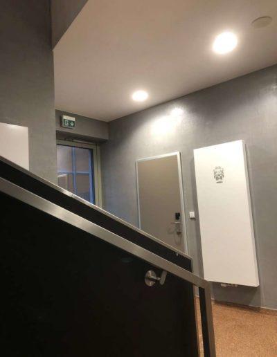 Cementový povrch Facebeton, omyvatelná úprava, pohled od schodů lázeňský dům Teplice